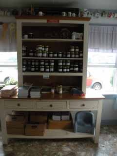 Maudie's canned goods